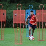 Sanchez Fit, Tapi Wenger Ragu Mainkan Striker Chili